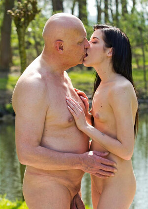 Zestful hoe blows bubbles and older boyfriend's whistle getting it on outdoors